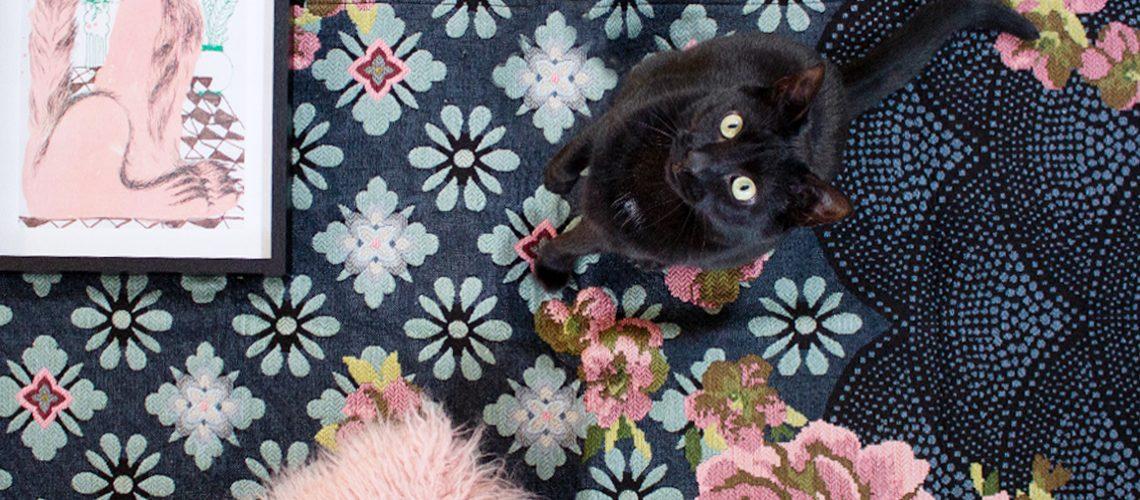 I gatti protagonisti dei complementi e delle stampe d'arredo
