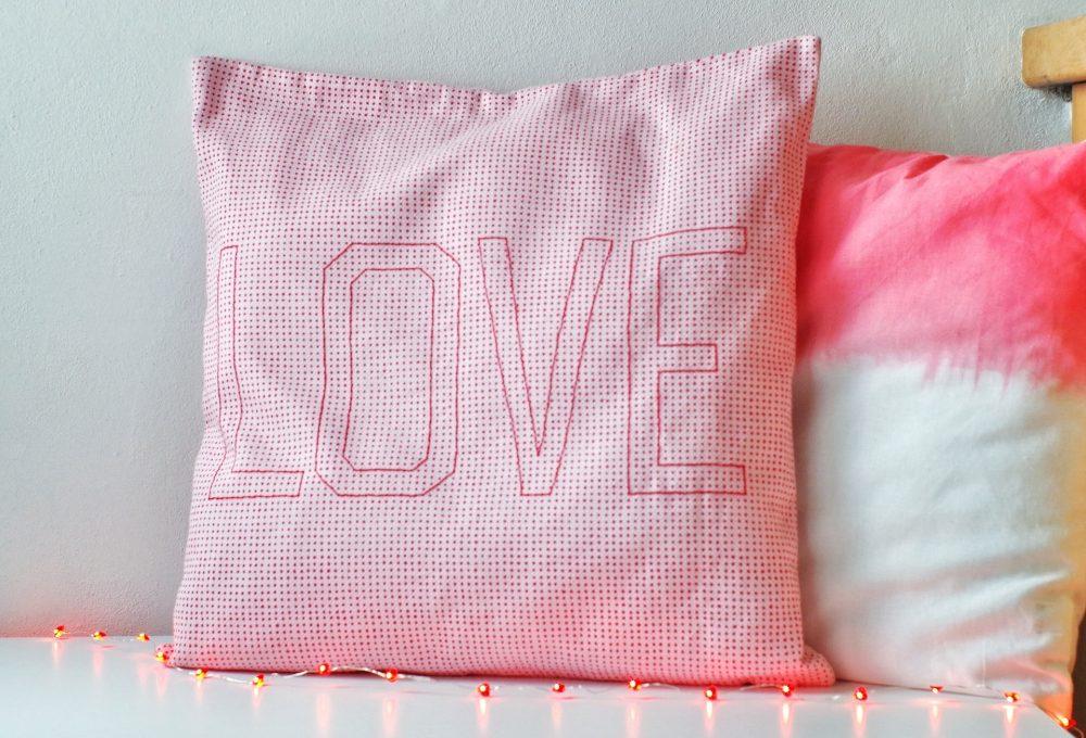 Realizzare un cuscino ricamato per San Valentino