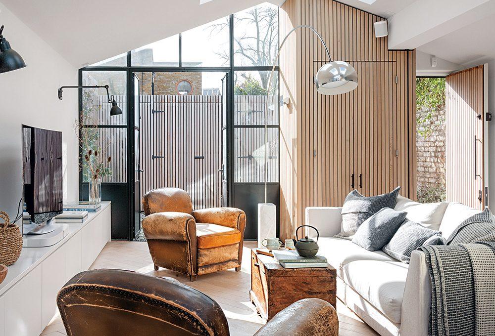 Trasformare un lungo garage in una casa illuminata da luce zenitale