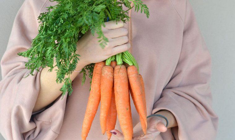 Ricette: 5 estratti di frutta e verdura per la primavera