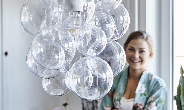 Come creare un lampadario con le boules trasparenti