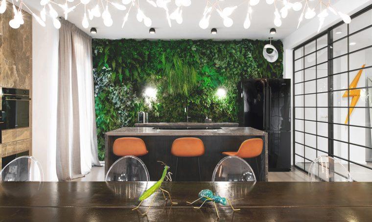 Piante stabilizzate per realizzare una parete verde in cucina