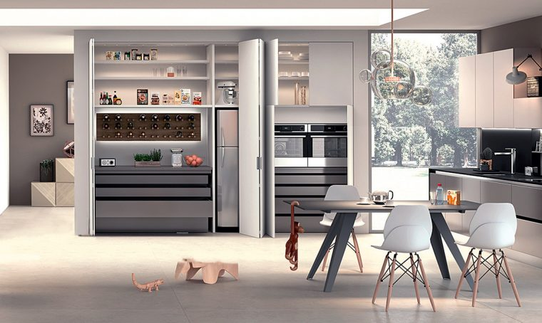 La casa trasformista con la cucina nell'armadio