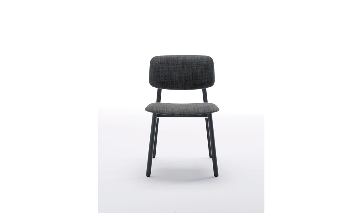 9 sedie nere adatte ad ogni stanza della casa CasaFacile