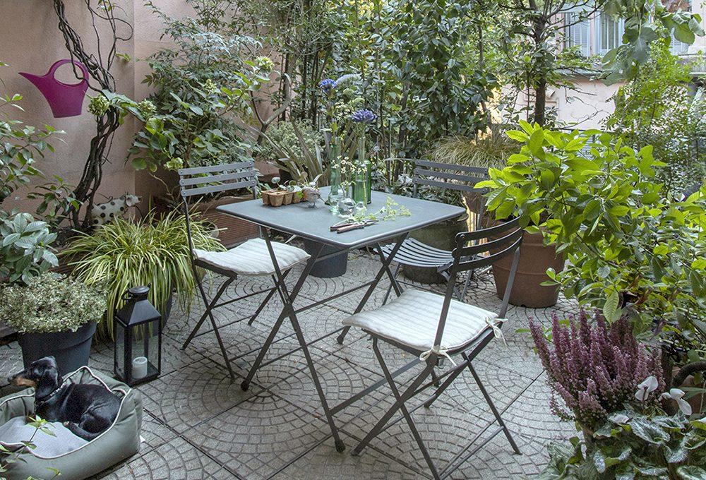 Un terrazzo verde tutto l'anno con le piante perenni