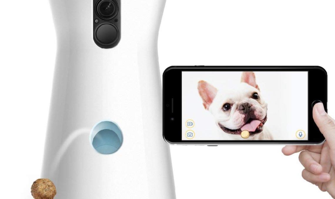 Furbo ti permette di monitorare interagire e addirittura di lanciare crocchette al tuo cane!