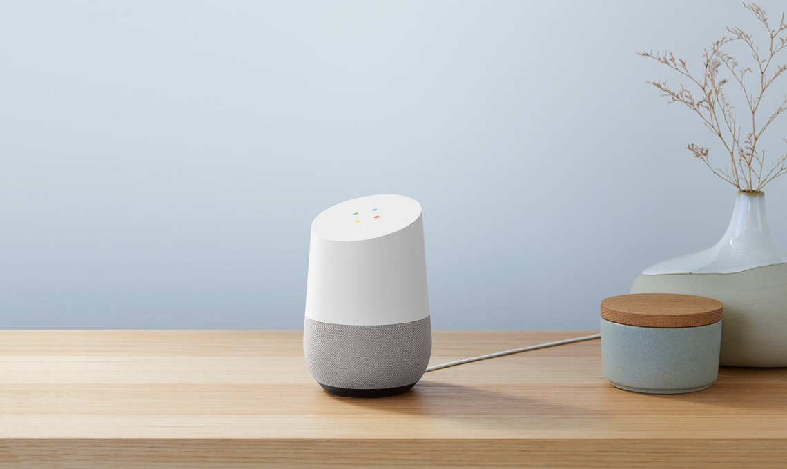 Nuove frontiere della smart home: l'assistente vocale Google Home.
