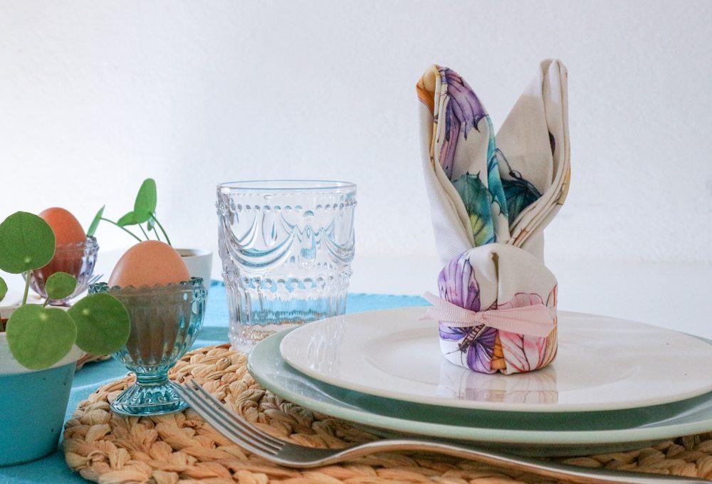 Come realizzare il tovagliolo a forma di coniglio per la tavola di Pasqua