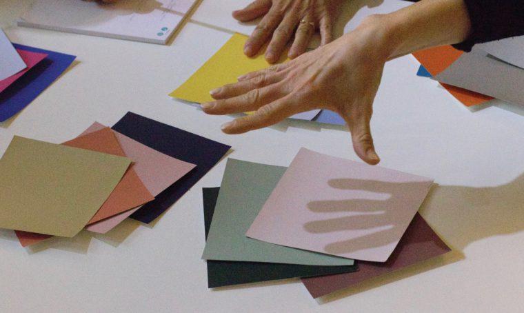 Le palette colori dei designer: a lezione di stile e colore con Elisabetta Viganò e Wilson & Morris