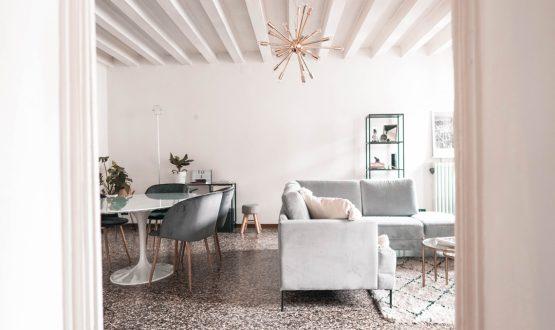 A casa della Youtuber: come personalizzare un appartamento in affitto