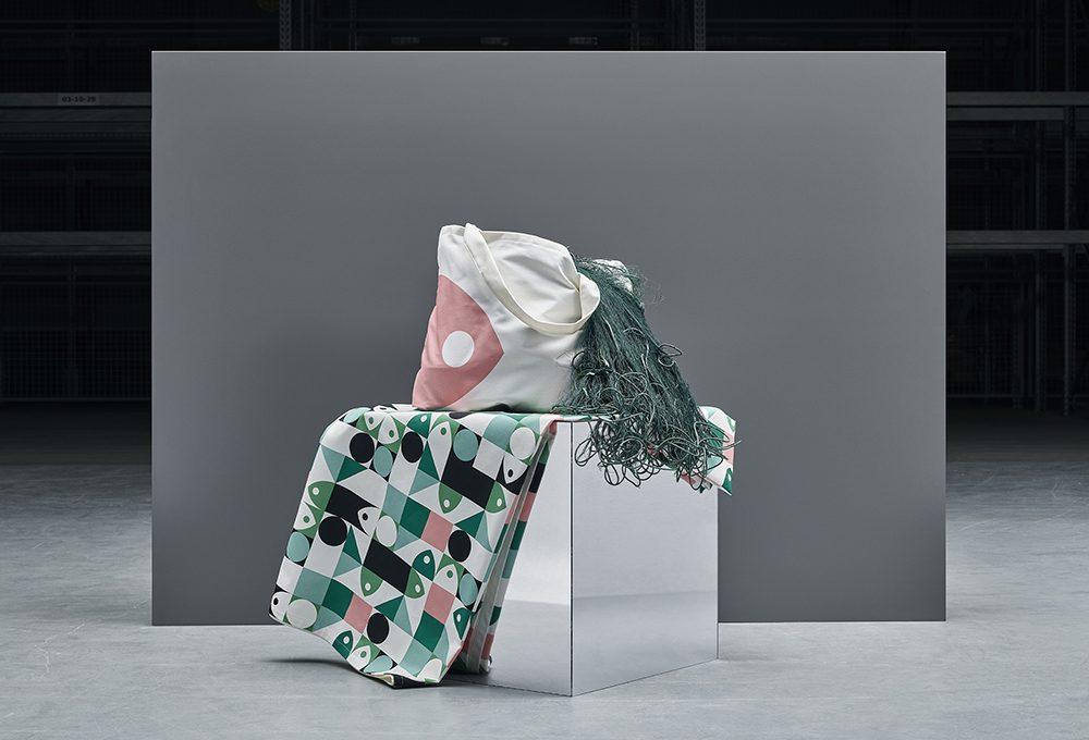 Ikea presenta la collezione Musselblomma realizzata con rifiuti plastici provenienti dal mare