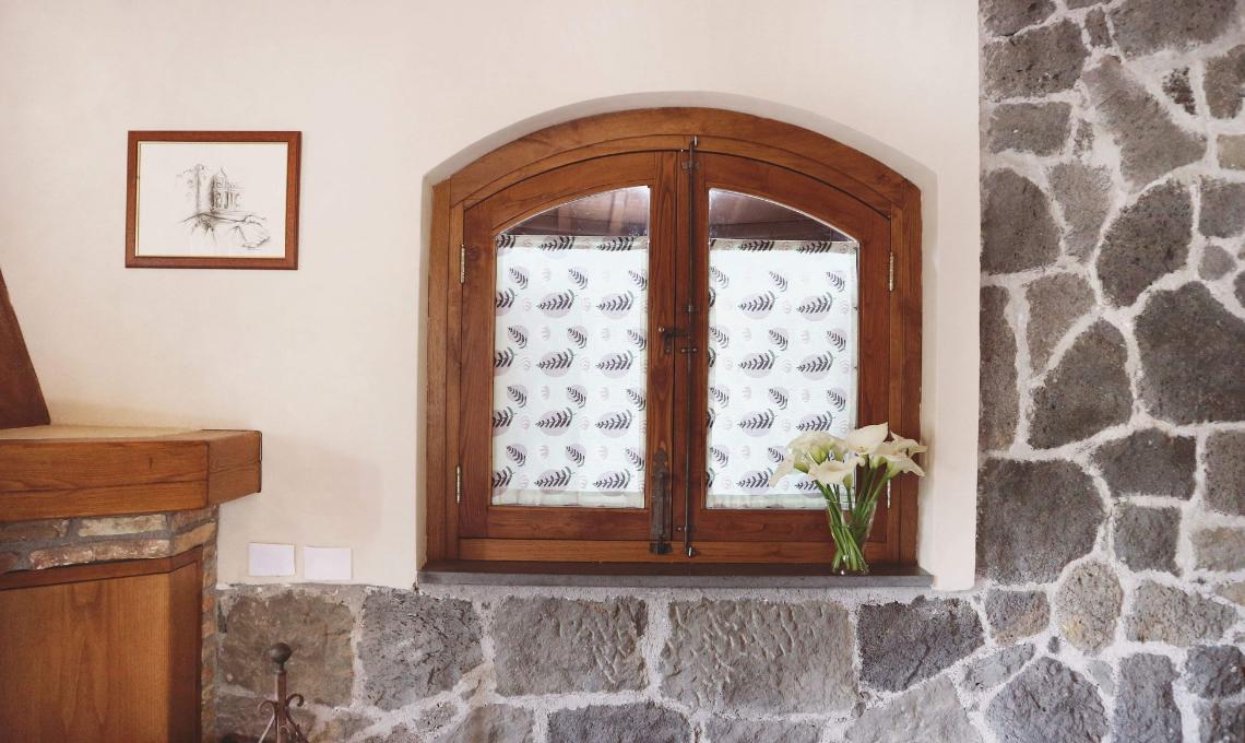 Come creare tende a vetro fai-da-te - CasaFacile