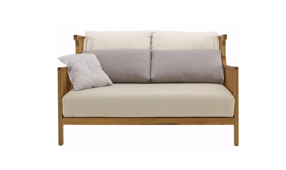 divano gambe legno