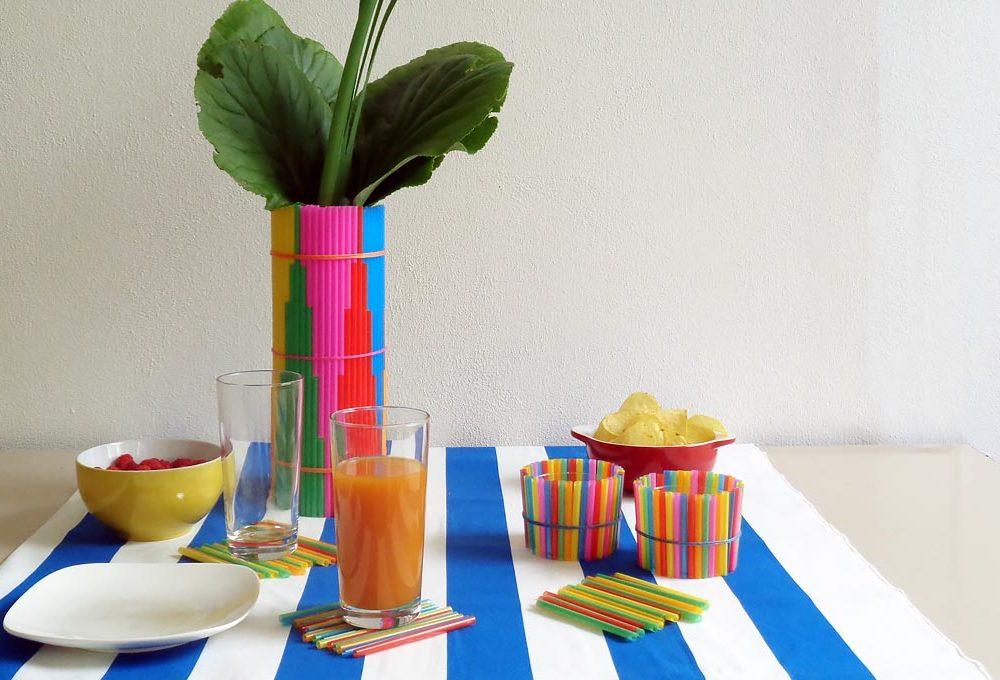 Come decorare la tavola con le cannucce colorate