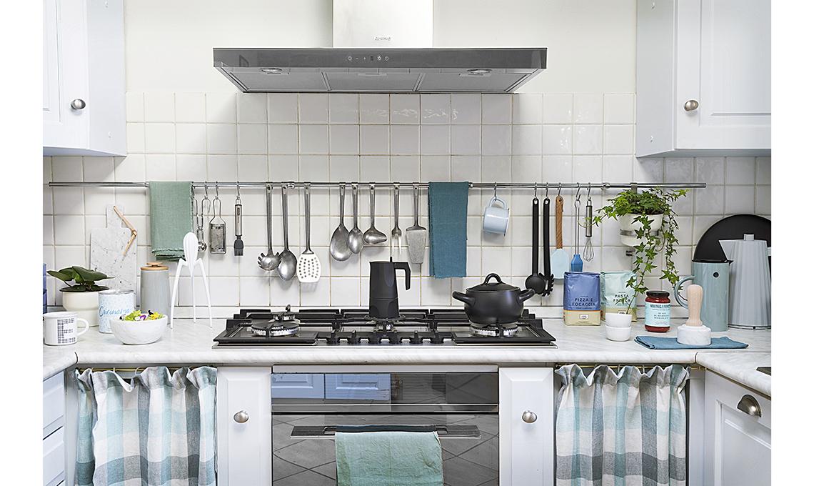 Basta una mano di colore per rinnovare la cucina - CASAfacile