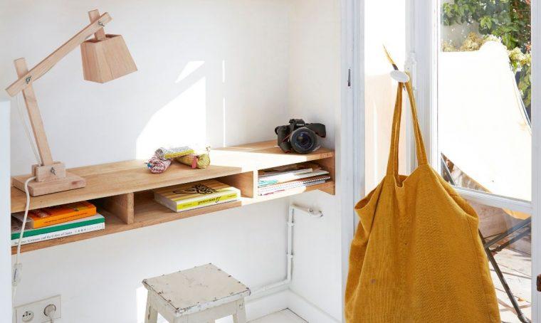 Come costruire una scrivania sospesa