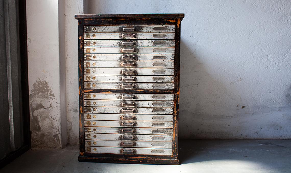 Compra e rinnova una cassettiera vintage con Subito.it ...