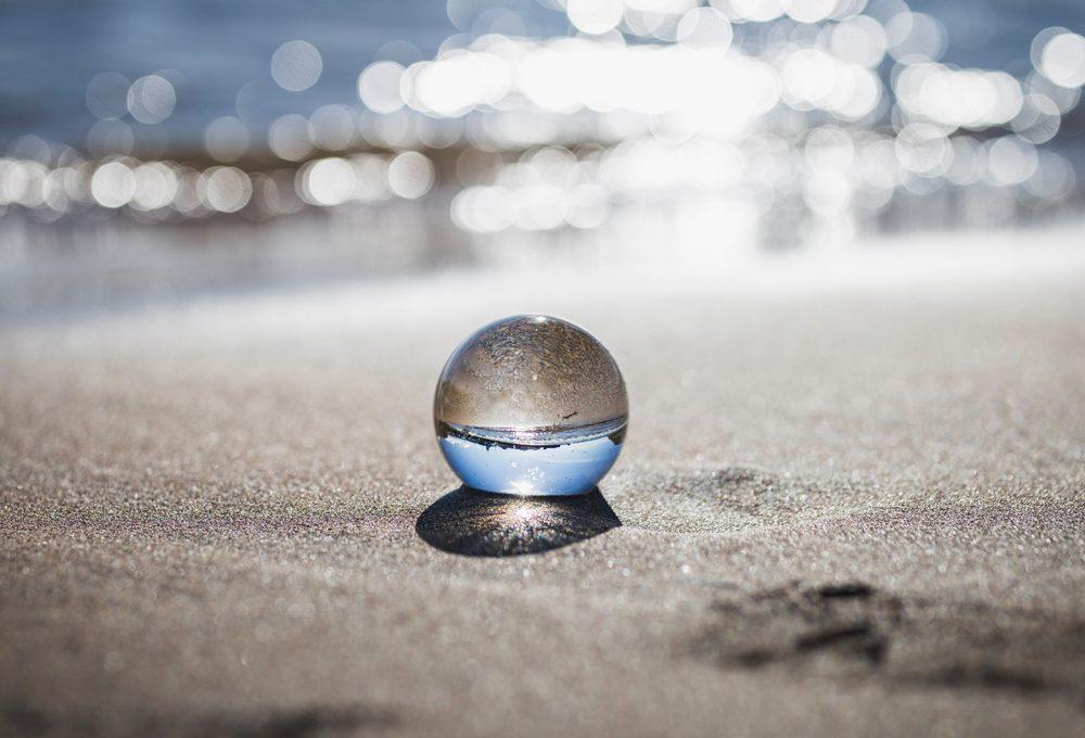 WePlanet: 100 globi per un futuro sostenibile