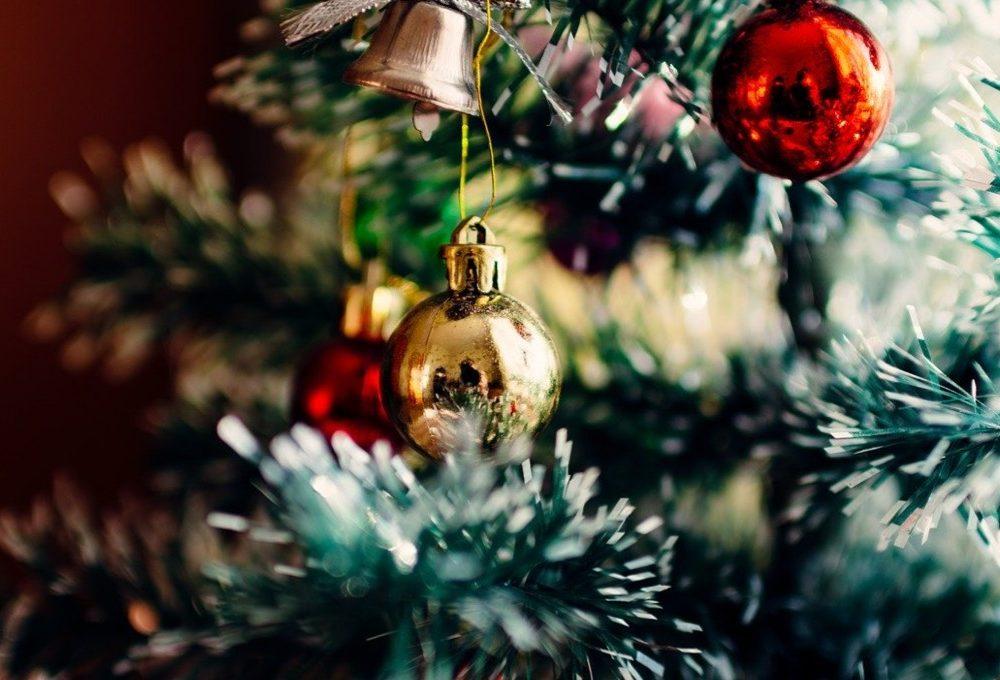 Come pulire l'albero di Natale prima di addobbarlo
