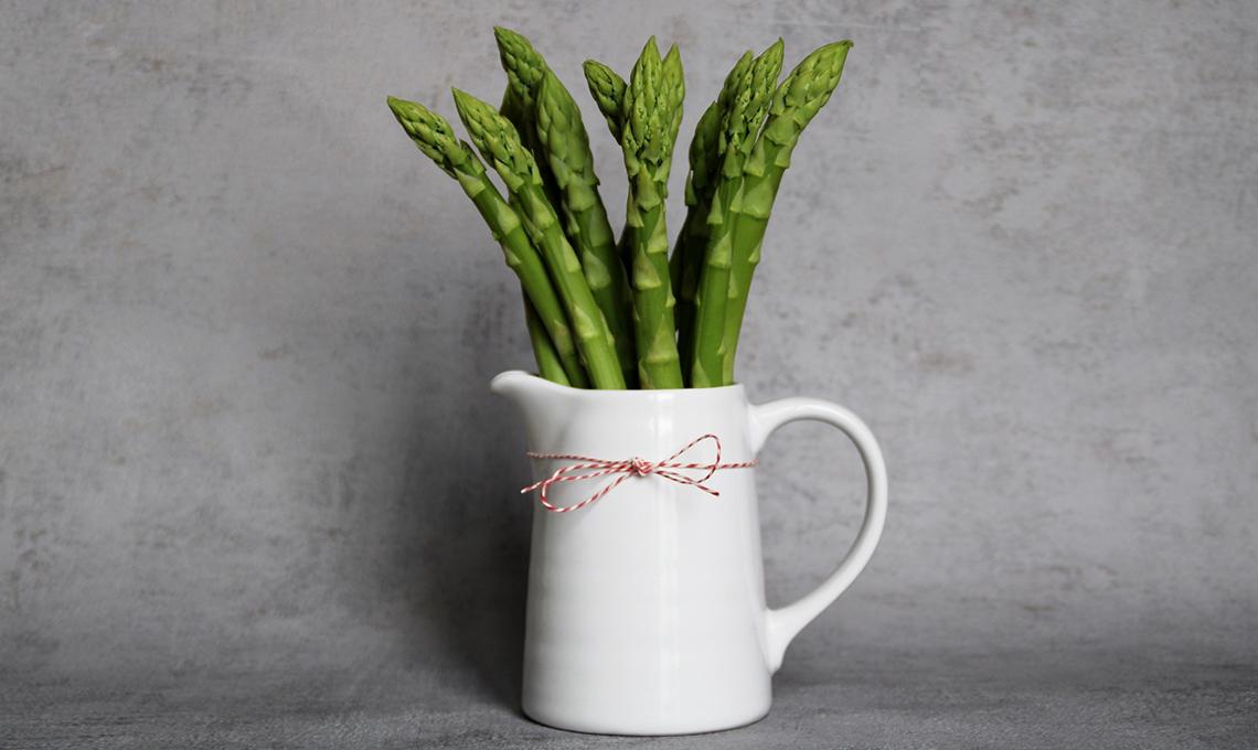 ortaggi in vaso in un elemento décor