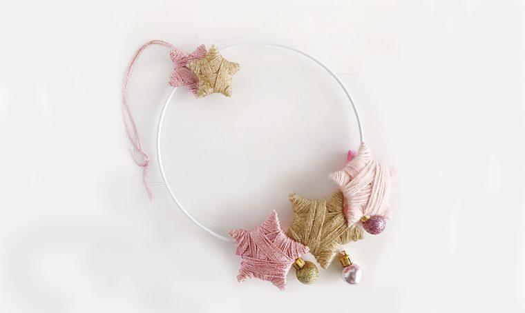Come creare una ghirlanda decorata di stelle fai-da-te
