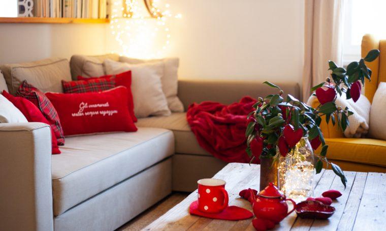 Un tocco di rosso in salotto