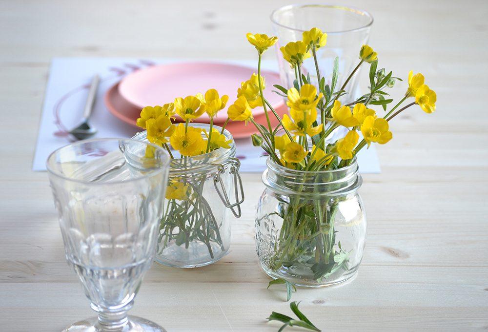 Rendi più bella la 'mise en place' con i fiori di campo
