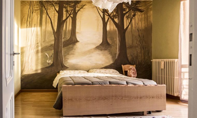 Come realizzare un letto fai da te da un'asse di legno di abete