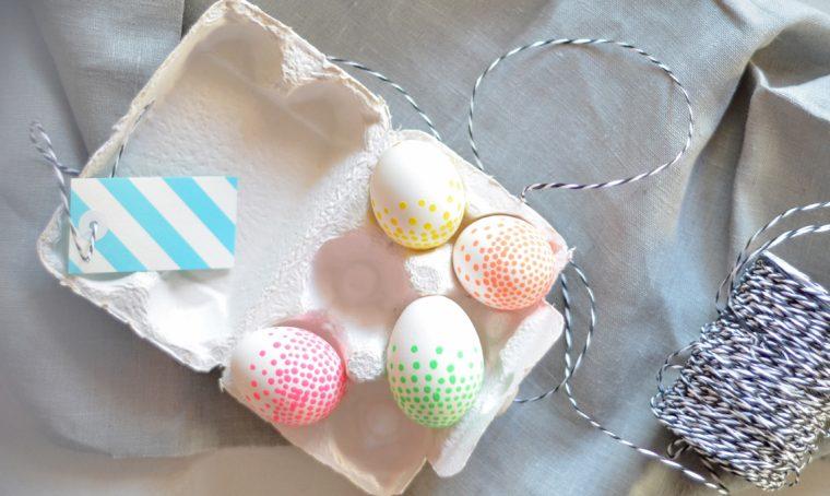 Pasqua: decorare le uova con i colori fluo