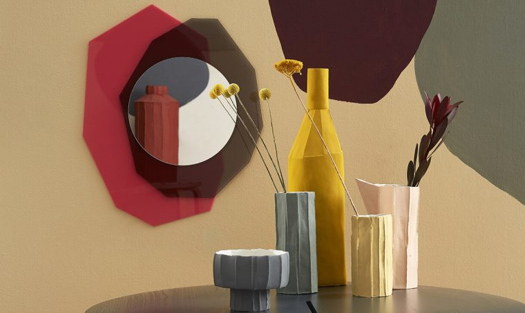 Geometrie scomposte: come realizzare lo specchio in plexiglas®