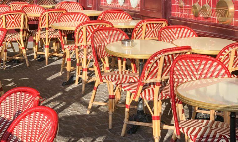 La storia delle mitiche sedie dei bistrot parigini fin dal 1885