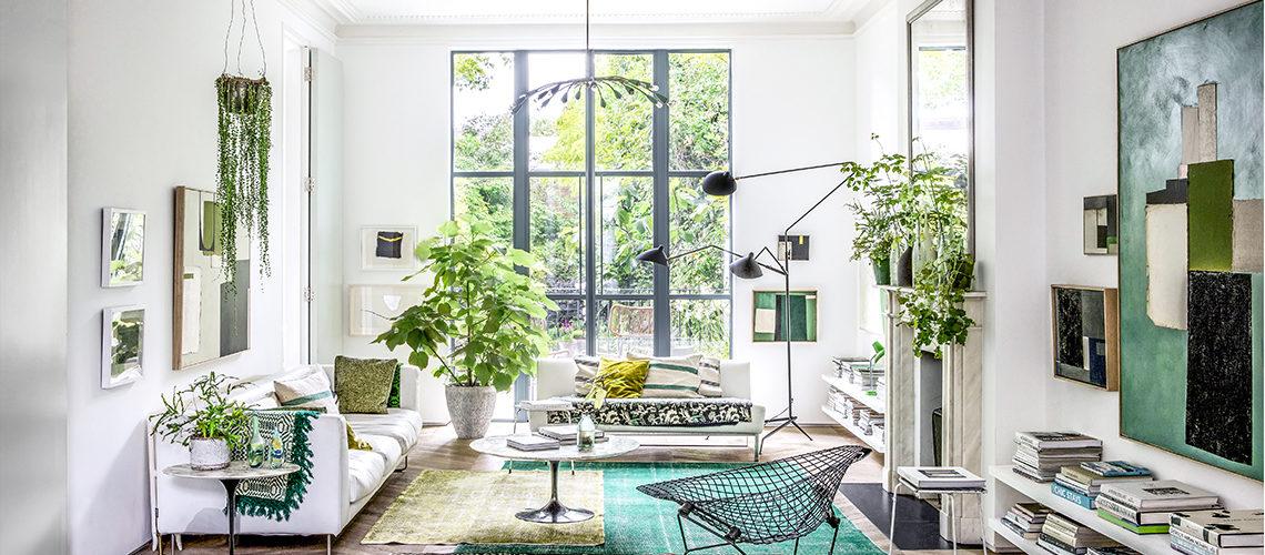 Una nuova frontiera tra fuori & dentro nella casa londinese di una stylist