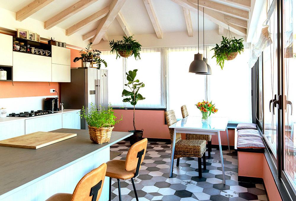 Chiudere il terrazzo per portare la cucina in veranda