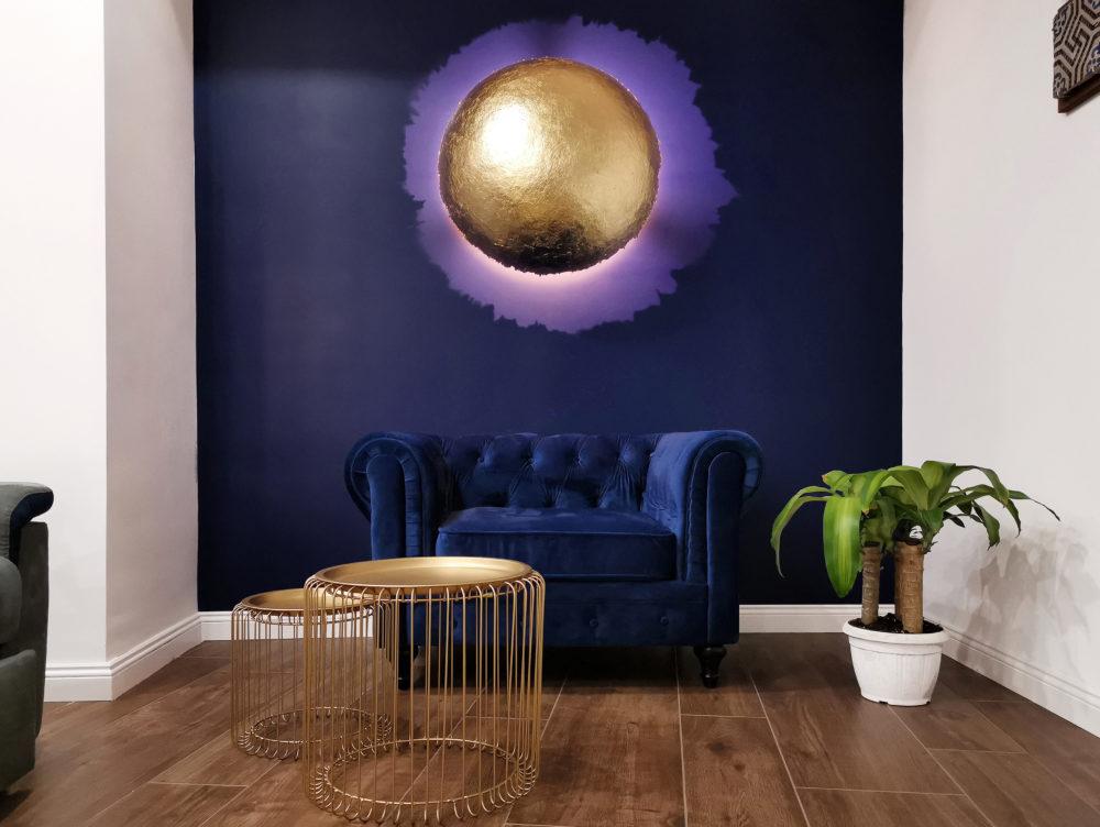 Un appartamento datato si trasforma in un moderno open space