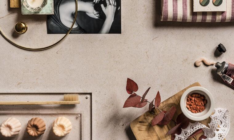 Carácter: il grès porcellanato effetto pietra ha un'anima antibatterica