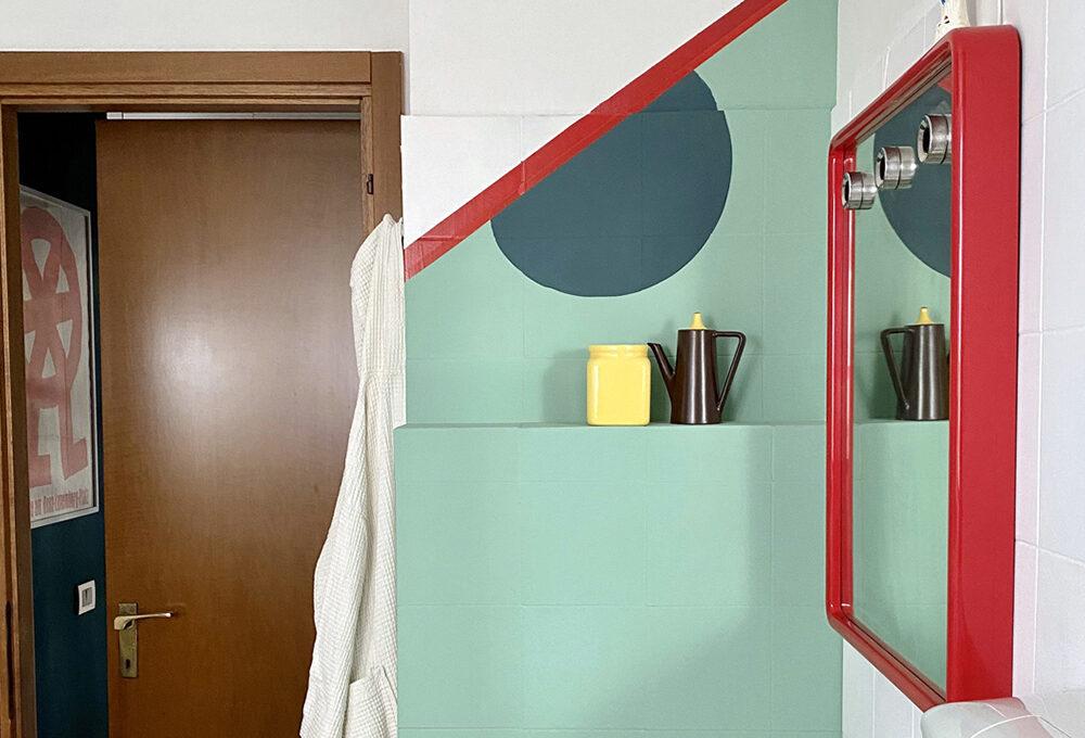 Prima e dopo: un bagno in stile Memphis