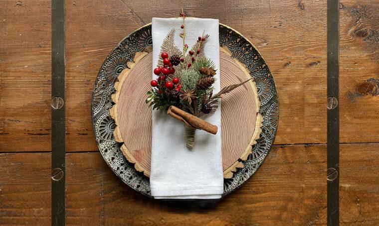 Realizza il mazzolino segnaposto per la tavola di Natale