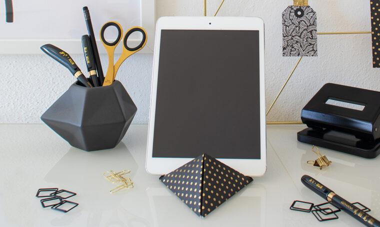 Come realizzare il reggi-tablet di carta fai-da-te