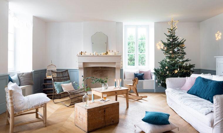 La dolce attesa del Natale tra addobbi, lucine e arredi di famiglia