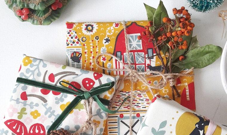 Pacchetti di Natale in stile Folk
