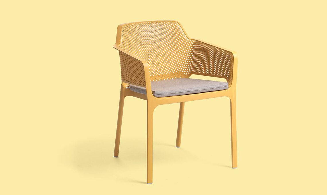 sedia da esterno colorata