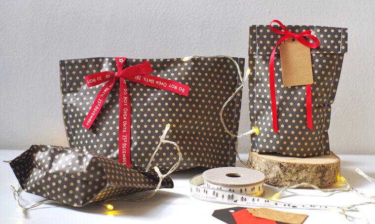 Pacchetti di Natale: crea le bustine cucite con la carta