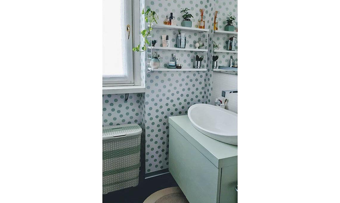 Carta da parati in bagno