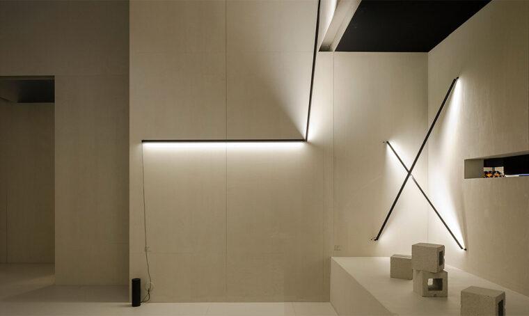 Punto luce: il sistema di illuminazione lineare Sticks di Vibia