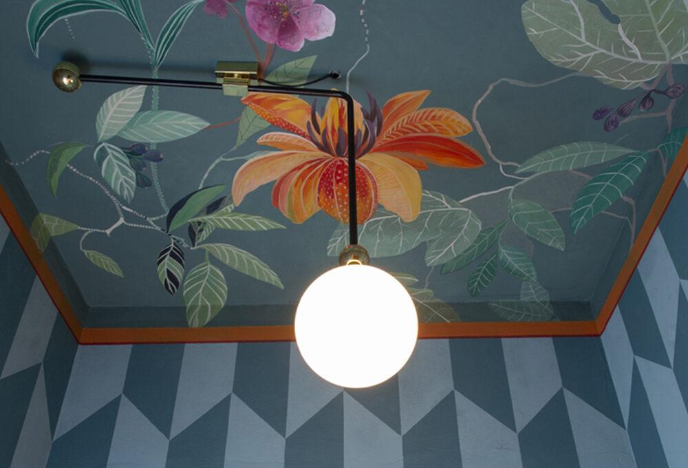 La nuova tendenza del décor sono i soffitti dipinti