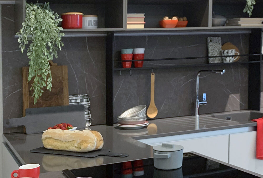 VIDEO: due cucine e due styling per personalizzarle