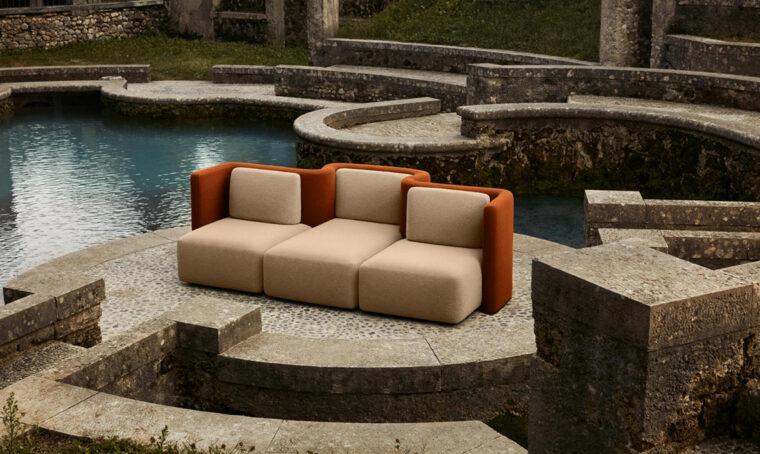 Cristina Celestino: il divano come luogo