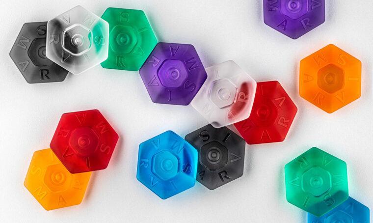 Tanti esagoni colorati per l'iconico dentifricio Marvis