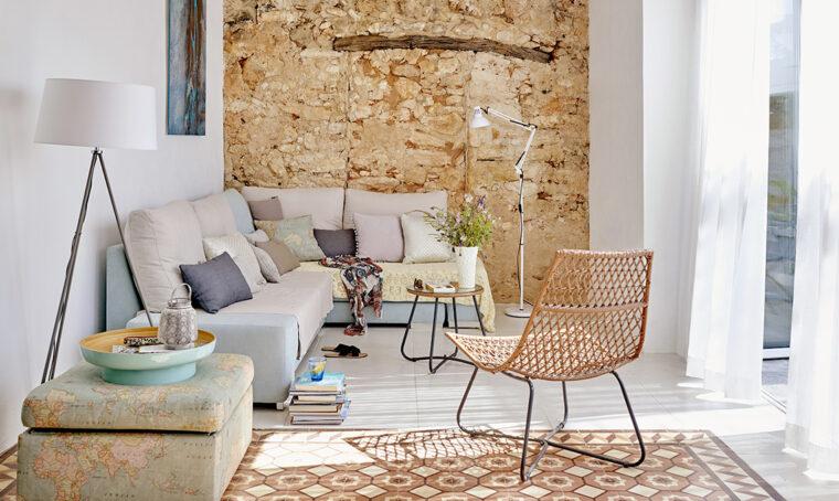 Una casa portoghese recuperata tra tradizione e innovazione