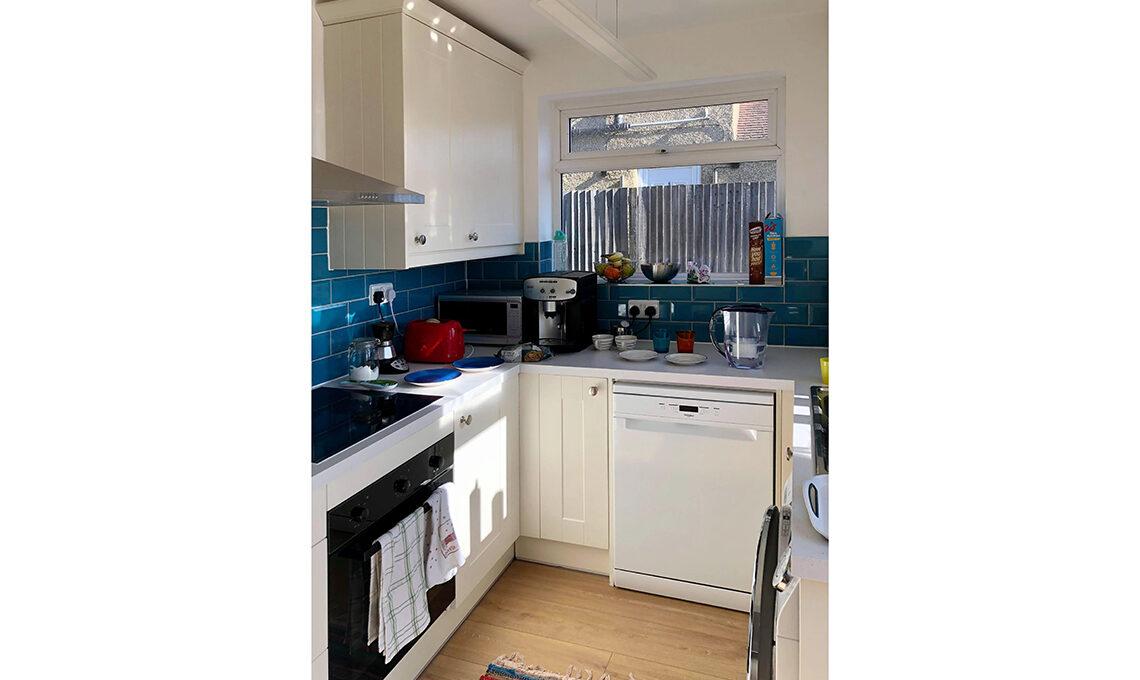 cucina piastrelle blu